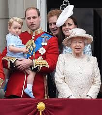 Resultado de imagen para prince George al balcony buckingham palace for trooping of colour 2015