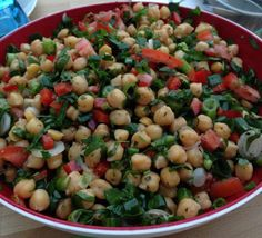 Yeşillikli Nohut Salatası