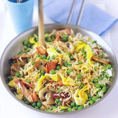 Fast-fix Healthy Fried Rice Recipe Bbc Good Food Recipes, Rice Recipes, Cooking Recipes, Healthy Recipes, Savoury Recipes, Potato Recipes, Quick Fried Rice, Healthy Fried Rice, Nasi Goreng