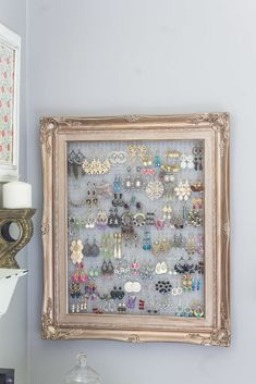 What can you do with a 1 frame and a bit of chicken wire, bedroom ideas, art . # chicken wire # artWhat can you do with a 1 frame and some chicken wire, bedroom ideas, art .DIY Projects DiyCraftsone DIY Crafts What can you do Jewellery Storage, Jewelry Organization, Organization Ideas, Closet Organization, Jewellery Stand, Organizing Earrings, Jewellery Displays, Jewellery Holder, Jewellery Boxes