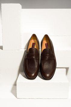 The biggest trend of spring 2016 - moccasins in elegant, dark brown. Spring/Summer 2016. #moccasins #genuineleather #mensshoes#conhpol #shoes #elegant