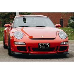 When OEM beats the aftermarket. Dirtynailsbloodyknuckles.com  Link in profile  #porsche #911 #porsche911 #gt3 #gt3rs #911gt3 #911gt3rs #rennsport #pelic#rennsportreunion #997 #997gt3 #metzger #metzgerei #guardsred #porscheart #porschelife #porschemotorsport #porschefans #carart #automotiveart #automotiveapparel #carshirt