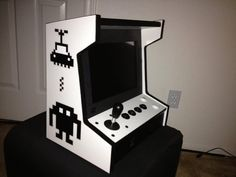 Spare Tablet PC Converted Into Awesome Mini Tabletop Arcade Cabinet Arcade Cabinet Kit, Arcade Bartop, Mame Cabinet, Arcade Game Room, Arcade Games, Kitchen Built Ins, Vintage Bathtub, Retro Arcade, Games