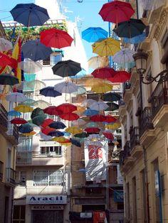 POP ART, KITSCH & CURIOSITIES: Umbrella Street
