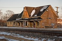 Ingersoll Train Station is abandoned and is a great site for interesting engagement photos. Vintage Cameras, Train Station, Woodstock, Ontario, Engagement Photos, Places Ive Been, Abandoned, Trains, Gothic