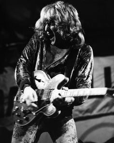 Alvin Lee, the guitarist with the English blues-rock band Ten Years After whose pyrotechnic skill pushed the band to stardom at the Woodstock music festival, died March 6 in Spain....