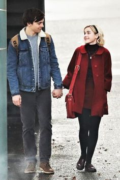 Here S The First Look At The Sabrina The Teenage Witch Reboot Kiernan Shipka And Ross Lynch As Netflix 39 S Sabrina And Harvey First Chilling Adventures Of Sabrina Set Photos Harvey Sabrina, Harvey Kinkle, Sabrina Sabrina, Archie Comics, Ross Lynch, Sabrina Costume, I Love Cinema, Mad Men, Baby Netflix