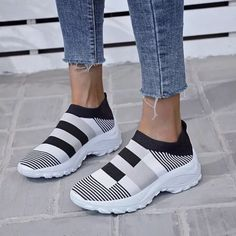 Summer Shoes Flats Zapatos Planos Casuales Plus Size Slip on Sneakers Women Tenis Feminino Casual Baskets Femme Tennis Casual Zapatos Slip On, Sneaker Outfits Women, Slip On Sneakers, Sneakers Women, Fabric Shoes, Trends, Sneaker Brands, Types Of Shoes, Summer Shoes