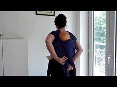 Enveloppé croisé dos (écharpe tissée) - YouTube