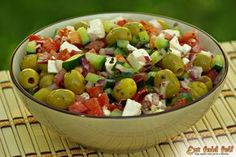 Ezt fald fel!: Görög saláta, az eredeti recept Salad Recipes, Healthy Recipes, Eat Pray Love, Yummy Food, Tasty, Greek Recipes, Potato Salad, Paleo, Food And Drink