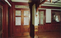 Winchester_Mystery_House_San_Jose_California_Grand_Entrance_Doors_and_Hallway.jpg (1051×657)