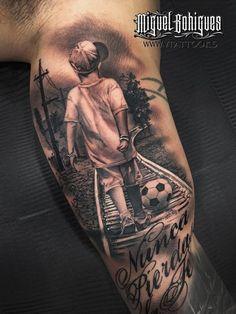 Tatuaje al furbolista Erik Lamela - Miguel Bohigues Vtattoo