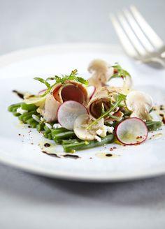 Salade de mimosa au foie gras de canard du Sud-Ouest et copeaux de comté