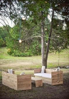 Love this Furniture. Outdoor Furniture made out of Pallets