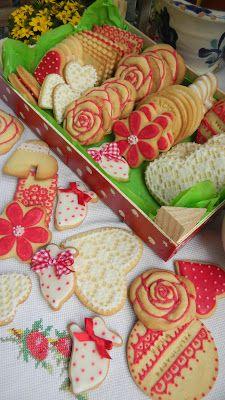 Galletas en rojo y blanco. Red and white cookies. Natali's cooking
