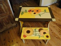 Child's sunflower table