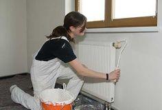 Comment peindre un radiateur : http://www.maisonentravaux.fr/couts-travaux/couts-peinture/comment-peindre-radiateur/