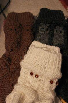 Heidi tuossa kyseli eilen postaamieni pöllösukkien ohjetta ja kommentteihin laitinkin neuvoa, mistä ohjeen löytää. Ajattelin kuitenkin help... Crochet Socks, Knitting Socks, Knit Crochet, Drops Design, Leg Warmers, Mittens, Diy And Crafts, Knitting Patterns, Gloves