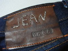 jean shop. Denim Branding, Fashion Branding, Trouser Jeans, Denim Pants, Garra, Raw Denim, Denim Men, Leather Label, Leather Jeans