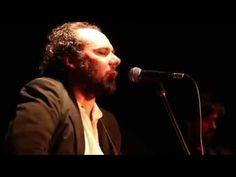 """""""Tu lengua"""" (Diego Presa) canción incluida en el disco """"Trece canciones""""(Bizarro, 2014). Grabado en vivo en el Centro Cultural de España 2/10/2014 DIEGO PRESA / Voz y guitarra NACHO DURÁN / Guitarra eléctrica GUILLERMO WOOD / Guitarra SANTIAGO PERALTA / Bajo ARIEL IGLESIAS / Batería Registro MATERIA PRIMA URUGUAY Dirección & edición ANDRÉS BARREIRO Mezcla JUAN NOYA Cámaras ALEJANDRO ARRIGONNI / MARTÍN NOYA / ANDRÉS BARREIRO Grabación de audio JUAN NOYA / ANDRÉS BARREIRO Sonido en vivo…"""