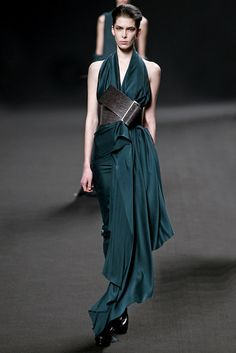 Haider Ackermann Fall 2011 Ready-to-Wear Fashion Show - Daria Strokous