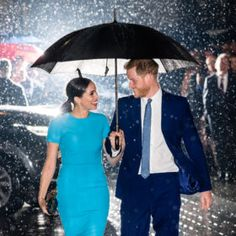 After two months out of the spotlight, Prince Harry and Meghan Markle made a joint public appearance on March 5 in London. The royal couple was characteristically sweet and loving as they arrived at Mansion House on a rainy… Prince Harry Et Meghan, Meghan Markle Prince Harry, Harry And Meghan, Ginger Rogers, Paris Chic, Fred Astaire, Singin In The Rain, Manolo Blahnik, Kate Middleton