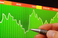 ¿Qué es el mercado continuo?  Es el lugar, desde hace varios años digital, donde se producen las transacciones relacionadas con la compra o venta de activos financieros relacionados con las empresas que cotizan en las cuatro grandes bolsas españolas.