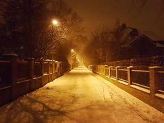 A Night in Střešovice Prague  #prague #travel #stresovice #winter #night #NightInTheCity #street #streetphotography #galaxys6