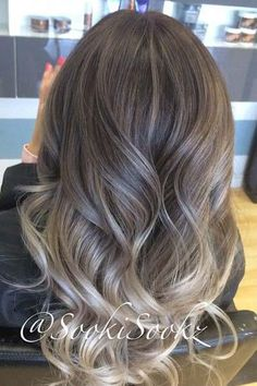 Summertime would be much more fun and colorful with a new hair color. Even simple highlights or balayage can create really face framing and fresh style. Black Hair Ombre, Blond Ombre, Ombre Hair Color, Hair Color Balayage, Blonde Balayage, Hair Highlights, Hair Colour, Natural Dark Hair, Hair Videos