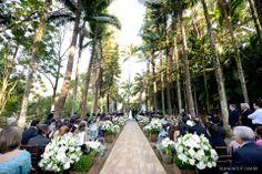 Cerimônia de casamento ao livre. Local: Fazenda Vila Rica | Decoração: Edilayne Ferraz | Foto: Rejane Wolff