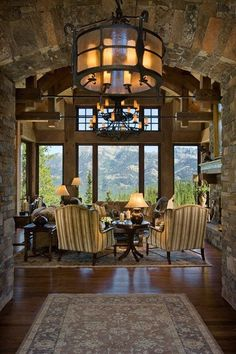 Rustic entry and living room (via Locati Home - Interior Design - Peaks View Residence) Cabin Homes, Log Homes, Home Interior Design, Home Design, Interior Modern, Kitchen Interior, Montana Homes, Enchanted Home, Deco Design