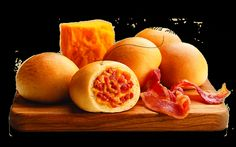 Bacon  Cheese Kolache. Why do we not have these where I live?!