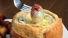 Camembert Potato Bacon Fondue Here's What You'll Need: 1 french bread boule 1 baking camembert garlic slivers, a few olive oil baby potatoes, about 10 rasher. Fondue Recipes, Cooking Recipes, Bread Bowls, Appetizers For Party, Finger Foods, Food Porn, Food And Drink, Potatoes, Kitchens