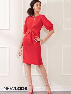 Misses' knee length dress has soft bust & hip pleats, with elbow length puffed or three quarter straight sleeves. | NewLook Patterns #newlookpatterns #sewingpatterns #dresspatterns #fallfashion #fallsewing #fashionsewing #womenssewingpatterns