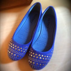 Pinky Daisy Studded Ballerina Flats Brand-new never worn size 7 1/2 in a gorgeous cobalt blue color! Shoes Flats & Loafers