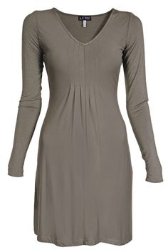- Elastic dress - Above-the-knee length - Long sleeves - Decorative pleats at the front bodice - V neckline - 95% Viscose, 5% Elastane