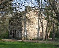 In the 19th century, Fort Ancient was a stop on the Little Miami Railroad. A historic tavern called the Cross Keys Tavern remains on the east side of the river and is listed on the National Register of Historic Places. Stone building from 1802 operated as the Cross Keys Tavern from 1809-1820