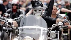 Already battling airstrikes conducted by the US and its allies, the Islamic State now has another threat to look out for: a motorcycle gang from the Netherlands. Three members of the infamous Dutch...