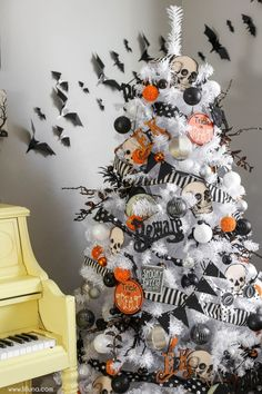See more ideas about real xmas trees christmas tree themes colors red and halloween trees. A wall alcove is the … Halloween Christmas Tree, Halloween Tree Decorations, Halloween Home Decor, Fall Halloween, Halloween Crafts, Halloween Backdrop, Farmhouse Halloween, Happy Halloween, Christmas Time
