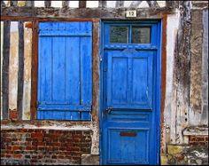 Détail d'une vieille porte aux belles couleurs patinées par les embruns | Flickr: partage de photos!