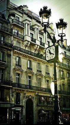 Les rues de la ville, Paris