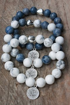 Set bracelets Howlite Blue Coral zinc alloy by MartaDissenys. 10% Off with coupon code PROMO10.!!!