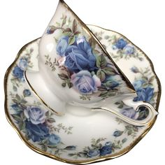 "Vintage Cup and Saucer Set, ""Moonlight Rose"" Royal Albert, England - English Bone China Teacup Tea Cup with Blue Roses by natalie-w Another beautiful collectible tea cup and saucer set. Tea Cup Set, My Cup Of Tea, Cup And Saucer Set, Tea Cup Saucer, Tea Sets, Vintage Cups, Vintage Tea, Vintage China, Royal Albert"