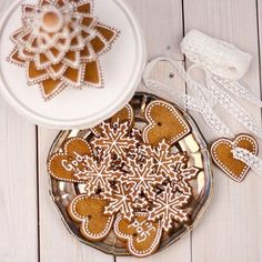 {Pepparkaka} Christmas Makes, Christmas Candy, Christmas Treats, White Christmas, Finland Food, Made By Mary, Candy Cookies, Cute Food, Christmas Inspiration