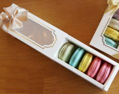 10 Window Macaron boxes 5 holding type by fromsoul on Etsy Macaron Packaging, Cake Packaging, Chocolate Packaging, Food Packaging Design, Macaroons, Macaroon Box, Wedding Sweets, Sweet Box, Cookie Box