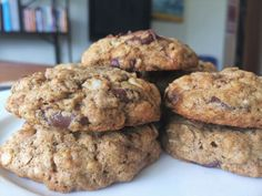 Healthy Chocolate Chip Cookies | thecopperlemon.com
