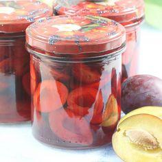 Śliwki w occie | AniaGotuje.pl Salsa, Mason Jars, How To Make, Food, Salsa Music, Mason Jar, Meals, Yemek, Eten