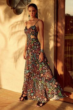 Vestido Longo  Em Tecido De Viscose Estampado Dzarm