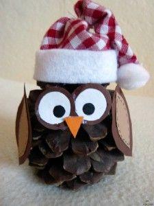 Kreatív Karácsony 2013: Bagoly Karácsonyi dekoráció tobozból Christmas Owls, Christmas Crafts For Gifts, Christmas Gift Wrapping, Rustic Christmas, Craft Gifts, Coke Can Crafts, Pine Cone Crafts, Button Crafts, Xmas Ornaments