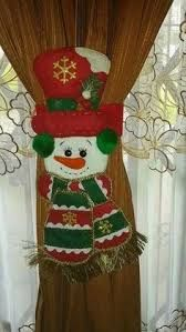 Resultado de imagen para agarracortinas de fieltro Merry Christmas To You, Christmas Mom, Christmas Sewing, Christmas Projects, Christmas Stockings, Christmas Ornaments, Holiday Decor, Snowman Crafts, Candy Cane Reindeer